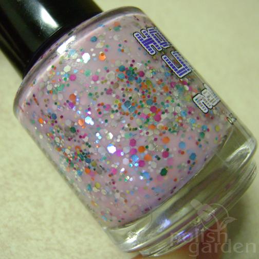pinkholidaylightsbottle